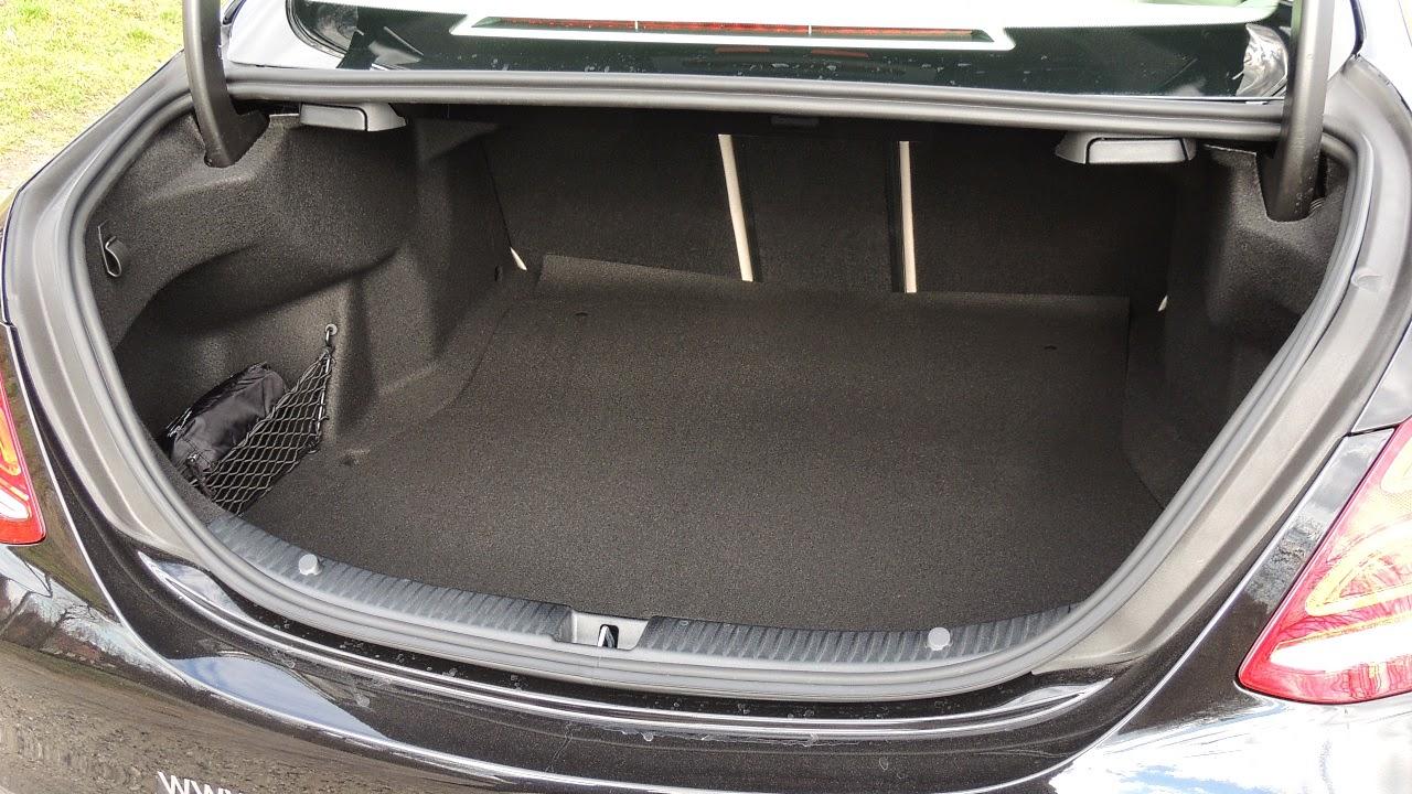 Mercedes Klasy C - bagażnik