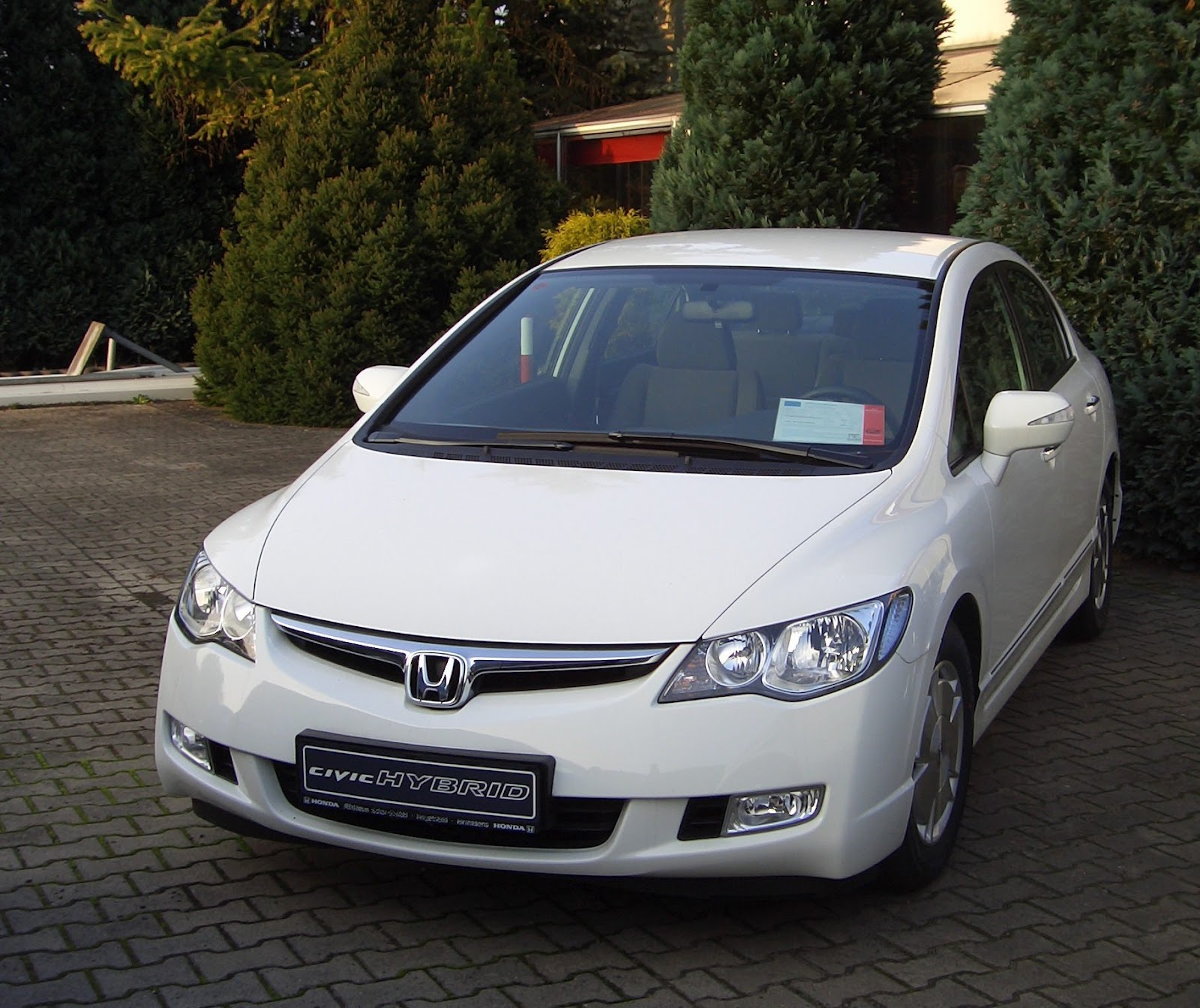 auto mobiles: honda civic hybrid