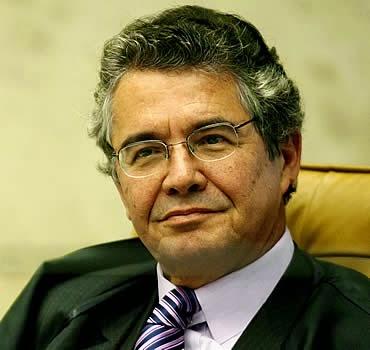 Liminar concedida pelo ministro Marco Aurélio Mello mantém governadora Rosalba Ciarlini no cargo