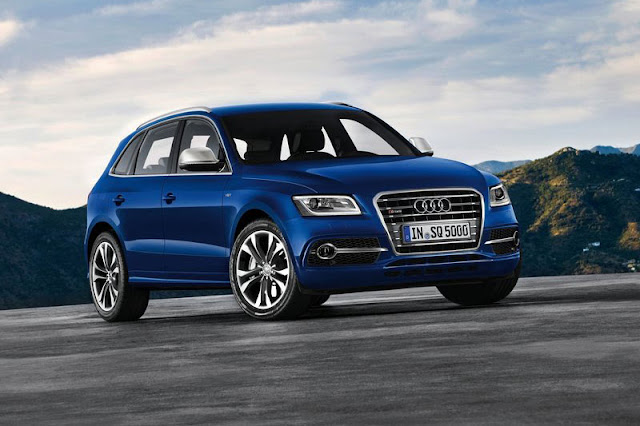 2013 Audi SQ5 TDi Blue Wallpaper