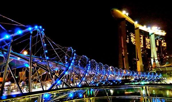 double helix bridge, jembatang doble helix, jembatan lengkung, jembatan unik, di singapura, tempat wisata di singapore,