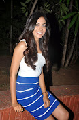 Reetu Varma latest sizzling photos-thumbnail-2