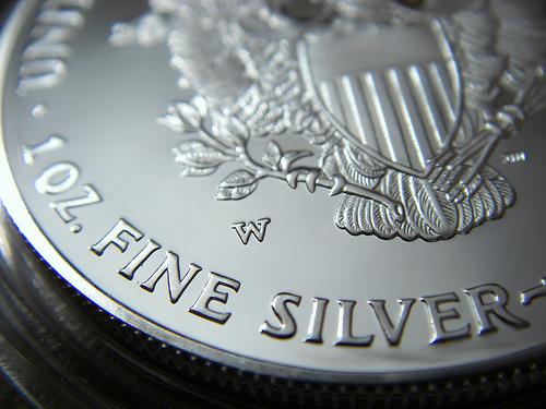 http://4.bp.blogspot.com/-C1YKgWxeaMo/UKUUeUunlTI/AAAAAAAACZY/b-OvhzuNSVs/s1600/close-up-silver-bullion1.jpg