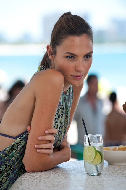 All About Celebrity: Gal Gadot Height, Weight
