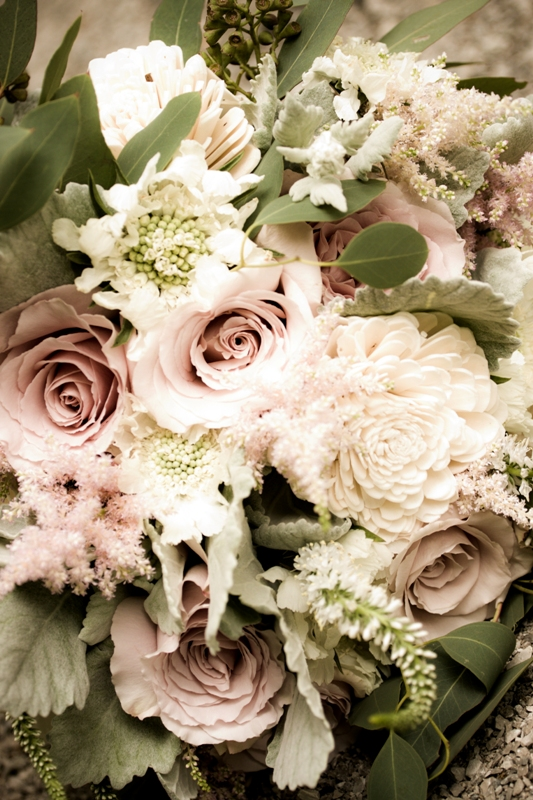 Courtenay Lambert Florals, Cincinnati Wedding florist.  Bouquets of Quicksand Roses, Scabiosa Flower, Dusty Miller, Seeded Eucalyptus, Astilbe, Veronica, Balsa Wood Sola Tapioca flowers, Juliet Garden Rose.