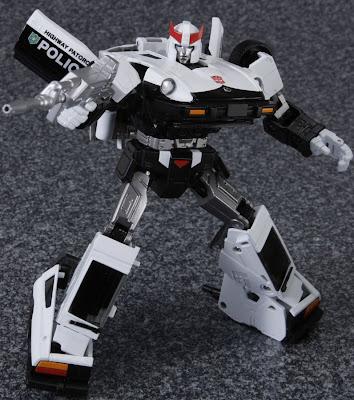 Tomy Takara Transformers Masterpiece MP-17 Prowl figure