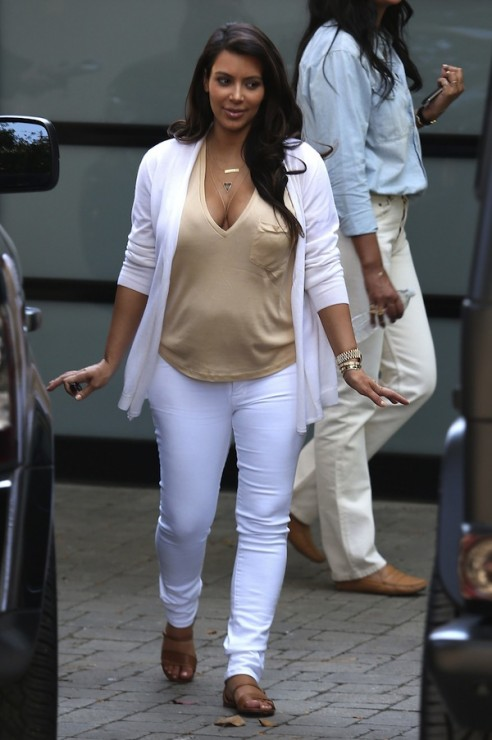 Daily Celebrity Style: Kim Kardashian Wearing White ...