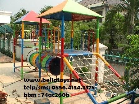 playground model II dengan rumah besar