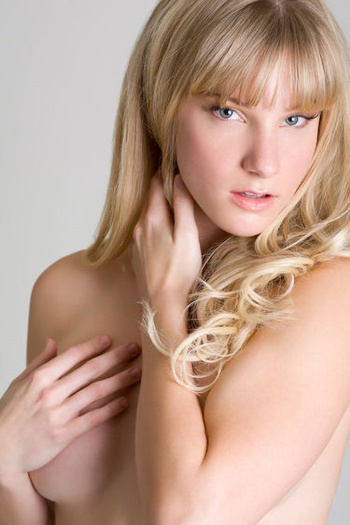 Heather Morris Leaked Photos