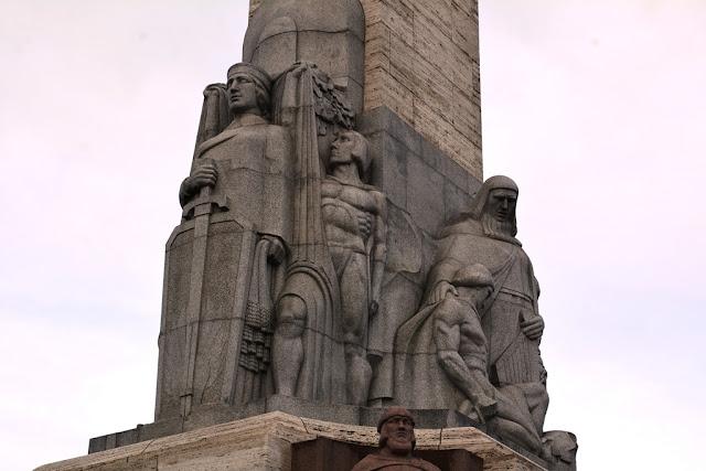 Freedom Monument Riga sculptures
