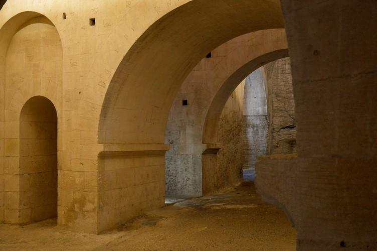 7 La Crypte - Montmajour