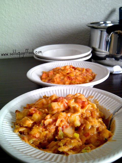 One Pot Smokey Mac N Cheese with #FireRoastedTomatoes and #SmokedCheddar by www.soliloquyoffood.com