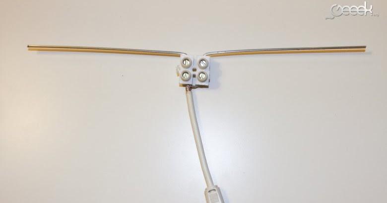 f5iro freddy fabriquer une antenne tnt avec un cintre et un domino. Black Bedroom Furniture Sets. Home Design Ideas