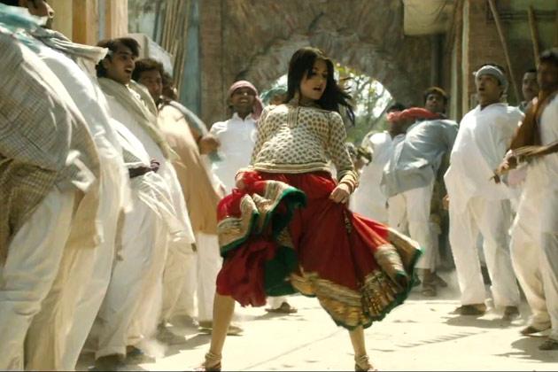 Matru-Ki-Bijlee-Ka-Mandola-Movie-2013