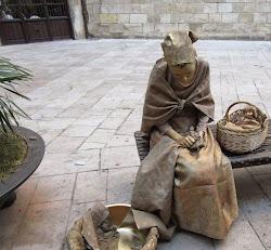 Delante del Priorat Sant Pere