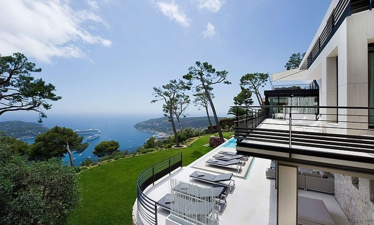 Sea view from Modern Bayview Villa In French Riviera