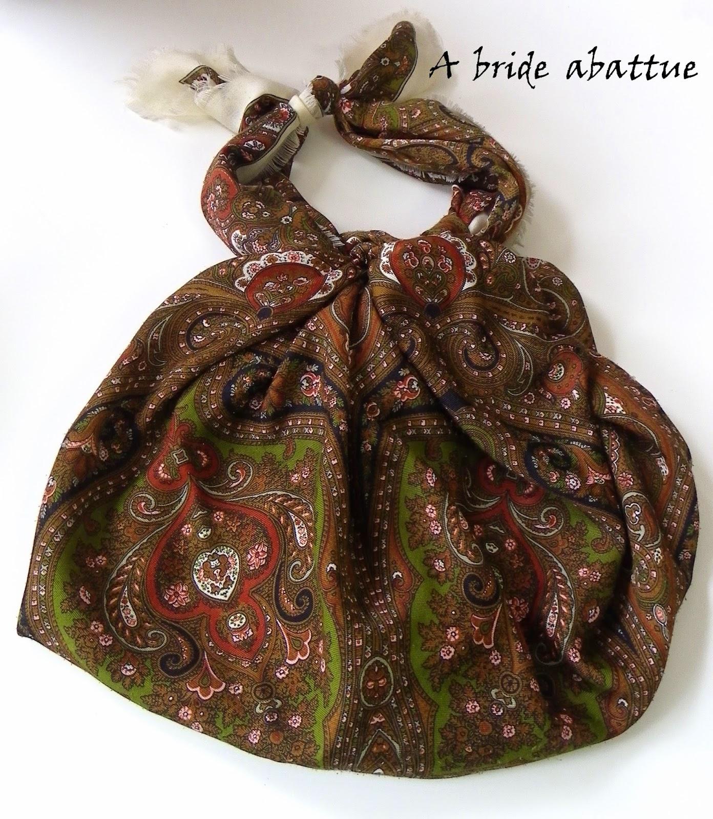 A bride abattue atelier tsutsumi ou comment nouer un tissu pour le transformer en sac - Comment faire un sac en tissu ...