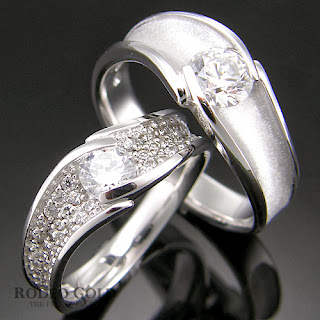 http://www.rodeogold.com/new-engagement-rings/gold-engagement-rings-tcr26792#.UpoP2o2ExAI