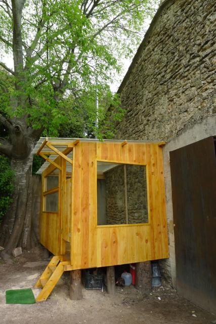 sommi res d pannage plombier electricien couvreur construction cabane de jardin sur mesure. Black Bedroom Furniture Sets. Home Design Ideas