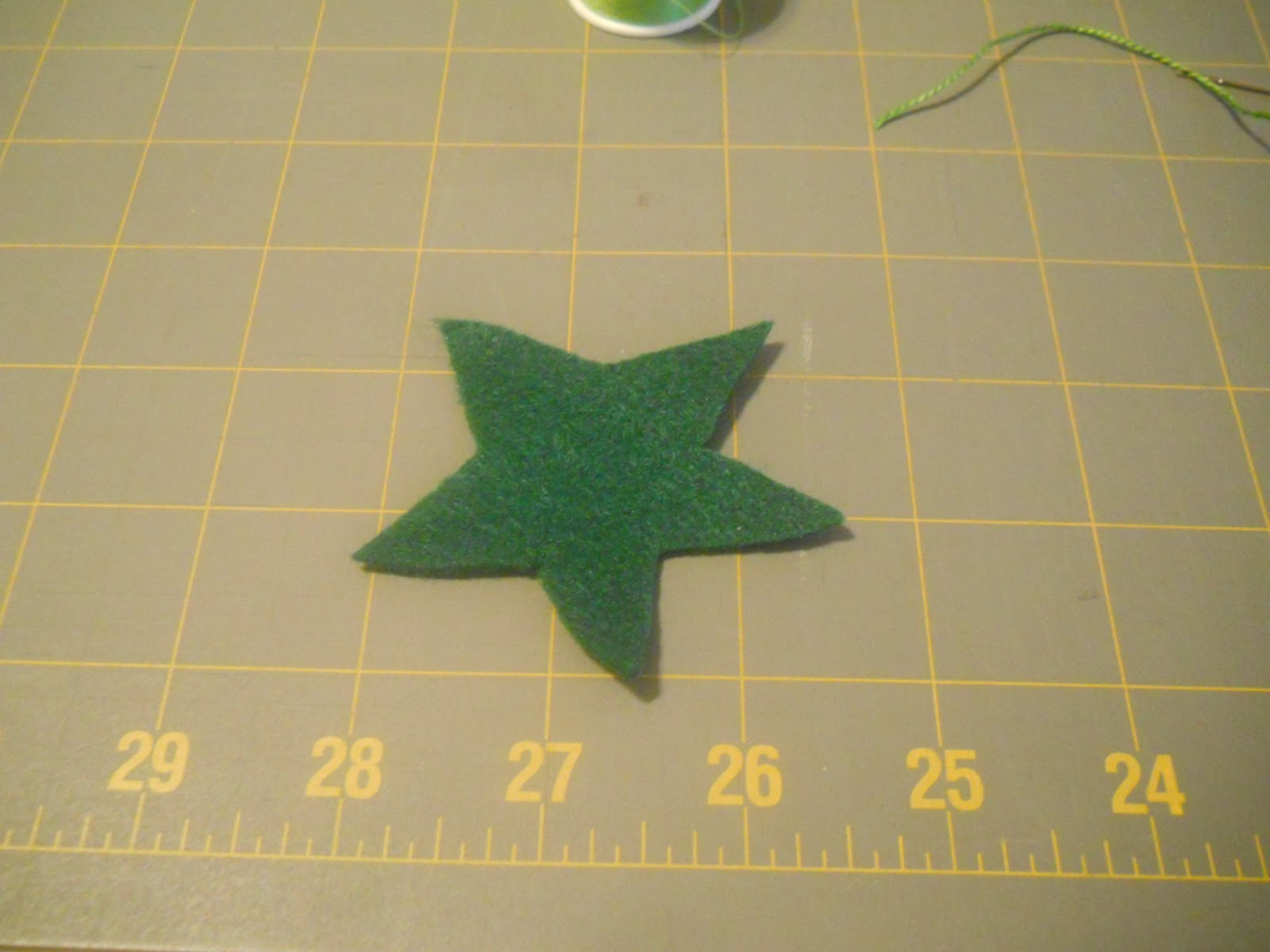 Petticoat junction sew an old fashioned tomato pincushion for How to draw a perfect star shape