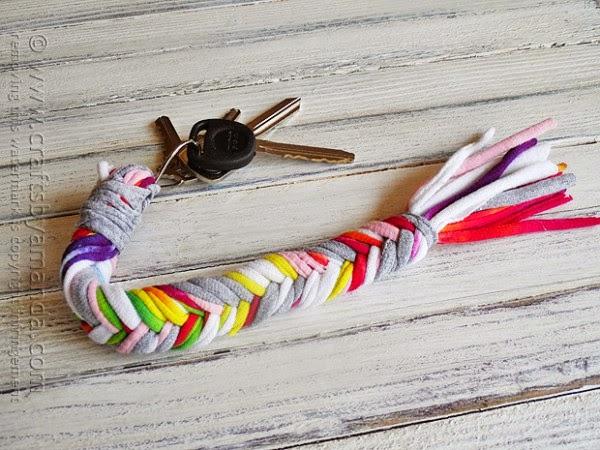http://craftsbyamanda.com/braided-t-shirt-keychain/