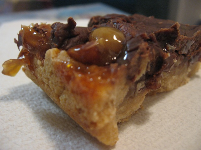 The Traveling Spoon: Easy Caramel Turtle Bars (12 Weeks of Christmas ...
