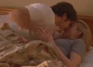 uyurken öpüşme