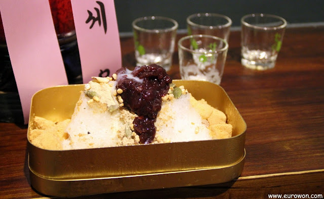 Patbingsu servido en un bar de Seúl