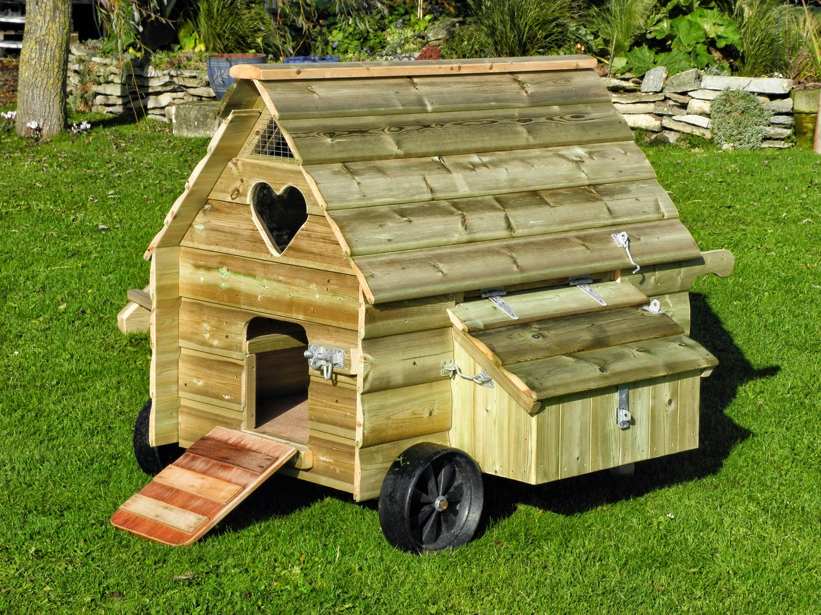 Flyte so fancy mobile chicken coops for Mobile chicken coops
