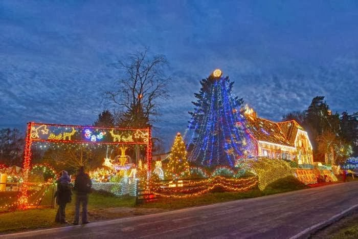 House decorated with over 450,000 Christmas lights