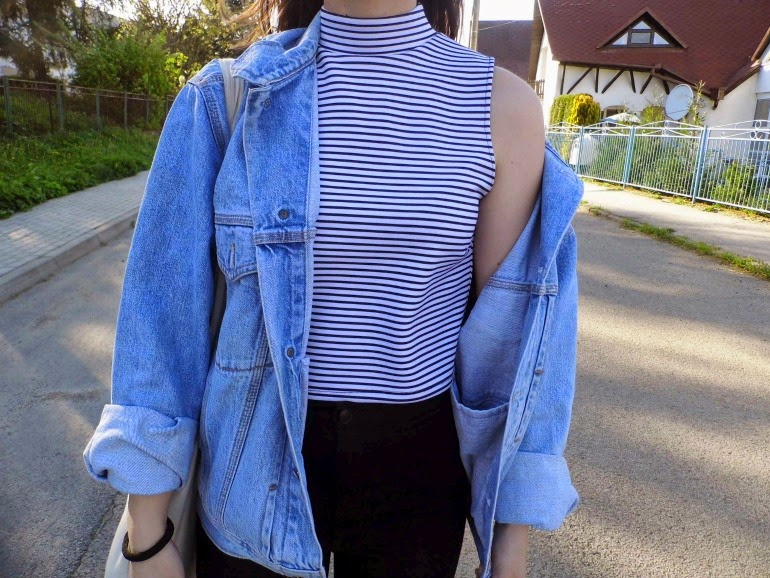 Huge jacket & striped crop top
