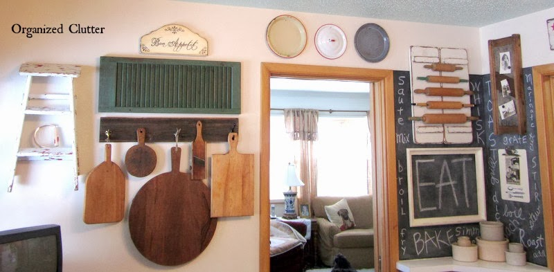 Rustic Farmhouse Kitchen Decor www.organizedclutterqueen.blogspot.com