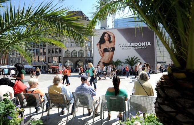 Outdoor com modelo brasileira causa polêmica na Alemanha