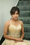 glamorous Vithika sheru new sizzling pics-thumbnail-13