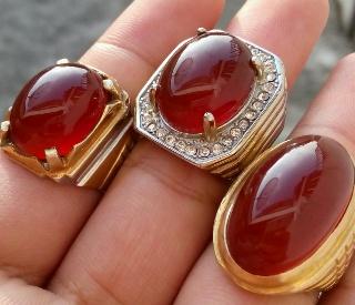 mengeluarkan giwang batu red raflesia