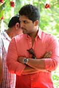 Allu Arjun Stylish Photos Gallery-thumbnail-1