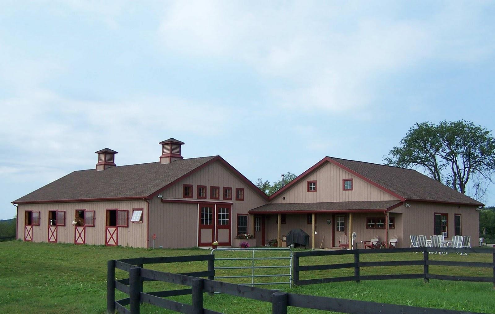 Nipclub dec 22nd nipclub 39 s country christmas for Horse barn homes