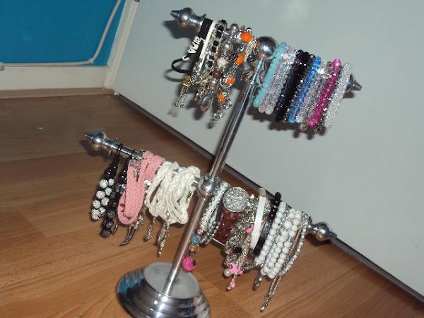 Mijn armbandenstash.