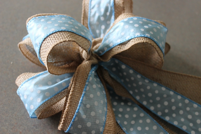 how to make little bows out of ribbon