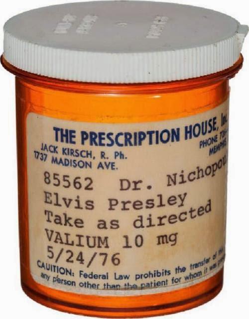 PONGA LO QUE USTED QUIERA - Página 4 Elvis_pilulas