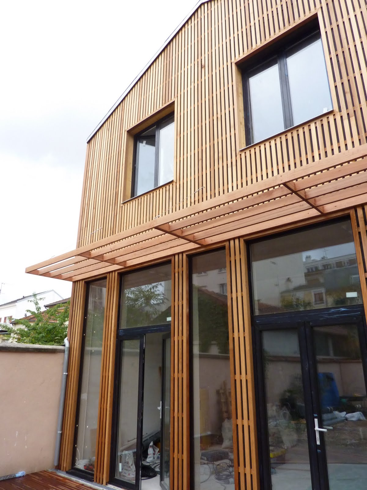 Fa ade bois montreuil architecte maison bois paris for Facade maison architecte