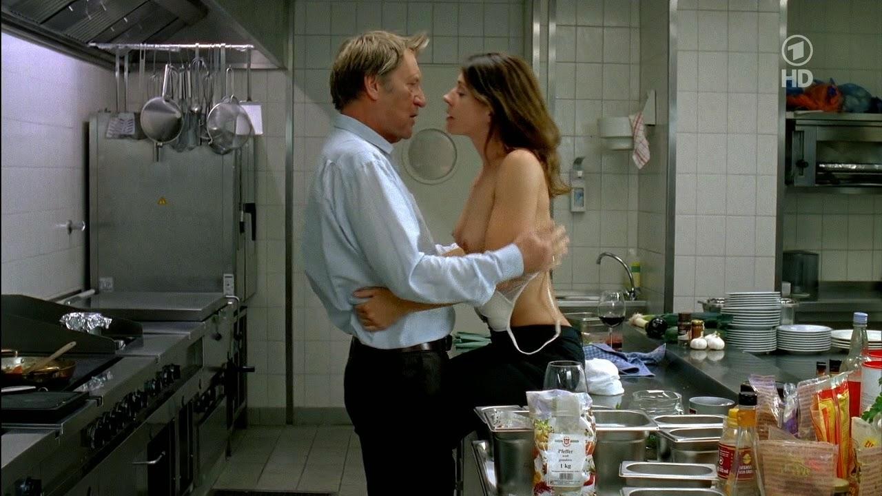TVDeSab: Ulrike C. Tscharre - Letzter Moment (2010)