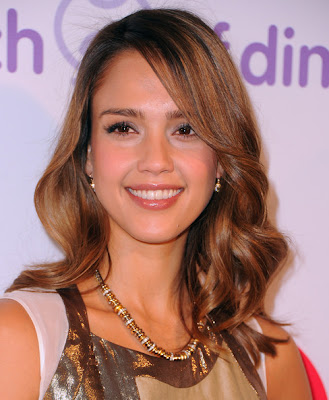 Jessica Alba medium wavy hairstyles