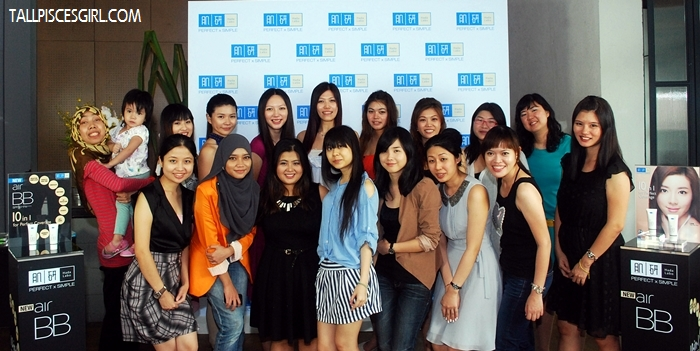A group photo with all bloggers who attended the launch!