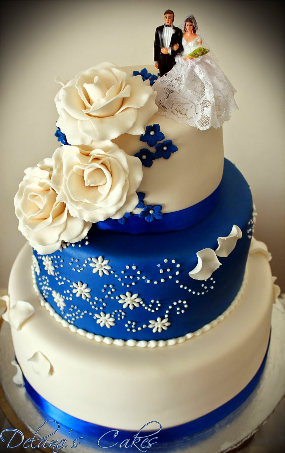Delana s cakes royal blue and white wedding cake