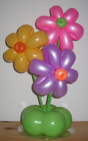 Mad moose mama quick and easy table decoration ideas for for Easy balloon decoration ideas