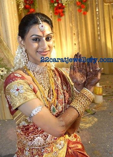vandana in diamond bridal jewellerytamil actor srikanth