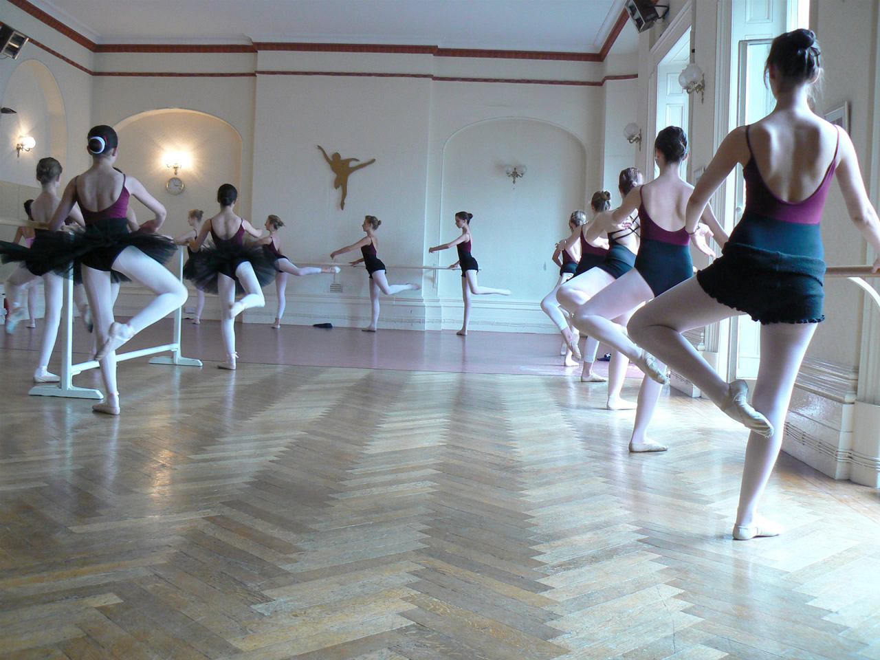 Academia de ballet en latex 7