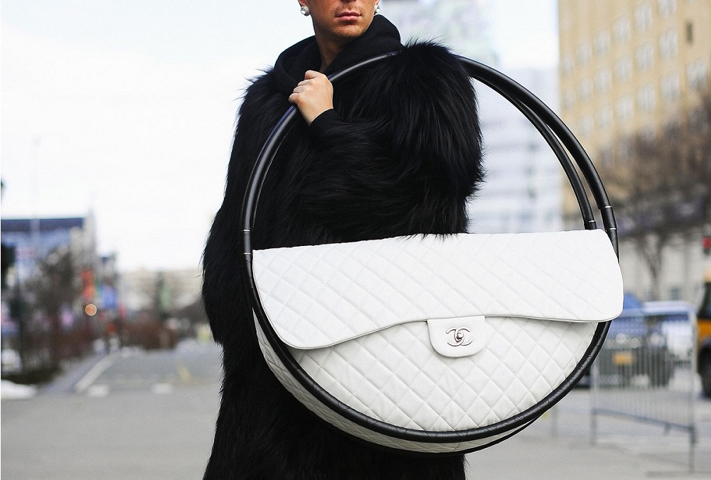 CHANEL HOOLA HOOP, NOT SO DOCTOR BAG