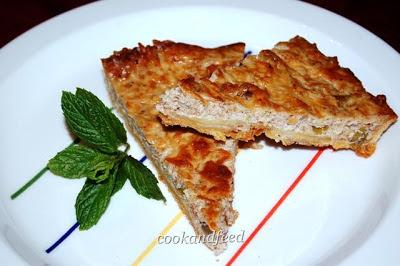τάρτα με τυριά και καρύδια/cheese and nut tart